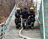 WWW16924COM公安消防、森林消防、公墓消防自救隊舉行聯合滅火救援演練5.jpg